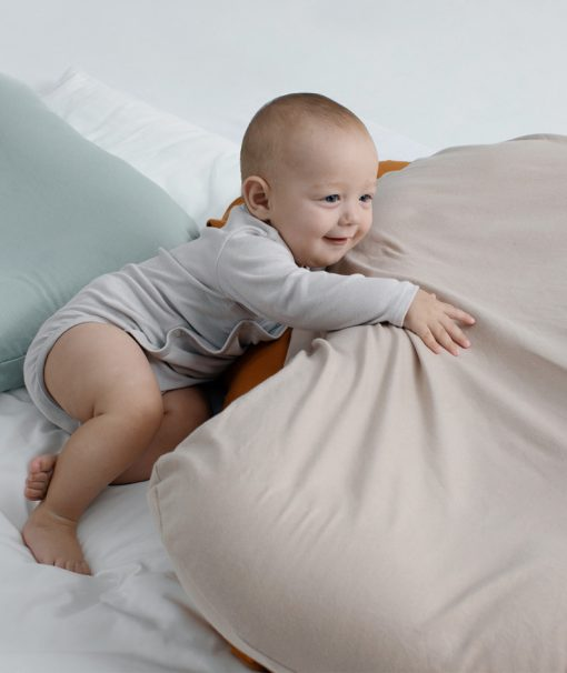 comfortable baby bed